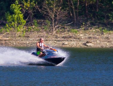 Jet skiing on Lake Cumberland