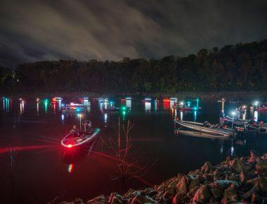 boats fishing on Lake Cumberland